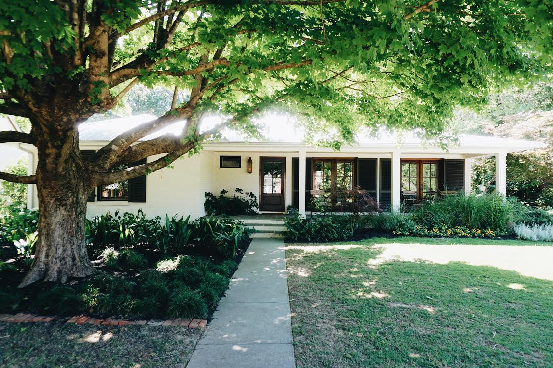 A Mid Century Ranch House Gets A Major Renovation In