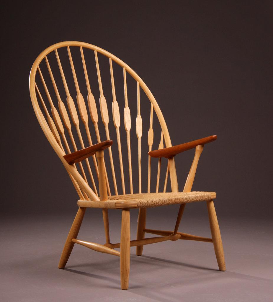 Peacock chair Pauwstoel Hans J Wegner  Designstoelenorg