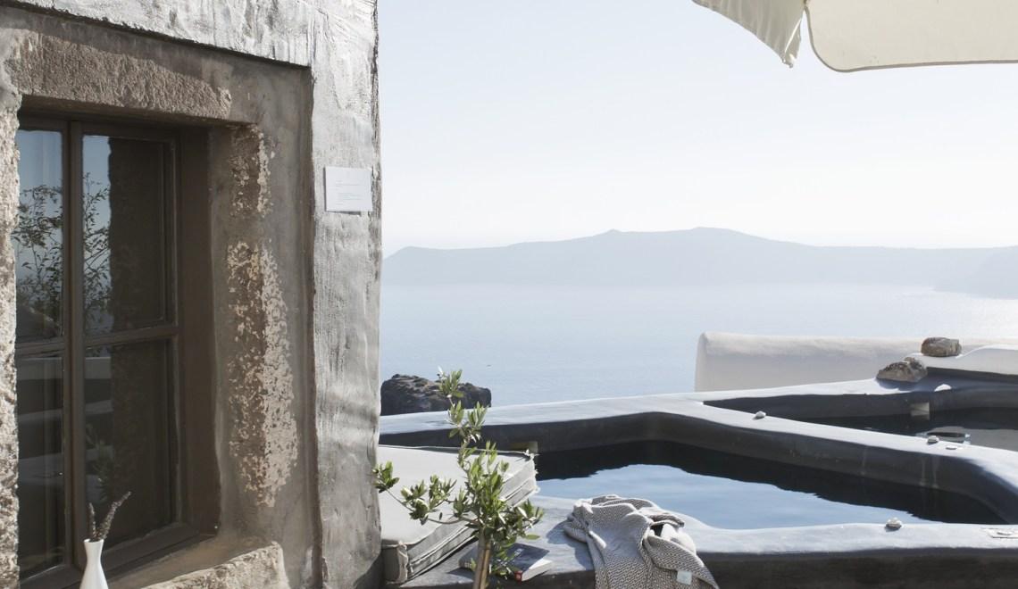 Places To Sleep No.2 – Sophia Suites in Santorini