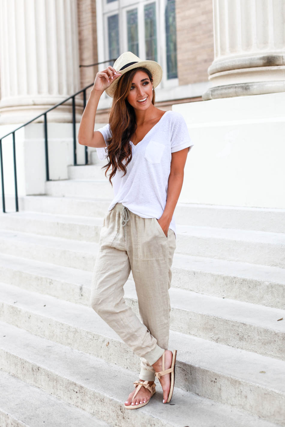 COMFORTABLE AND CHIC WITH FASHION