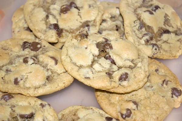 Recipe Thursday | Thick 'n Chewy Chocolate Chip Cookies