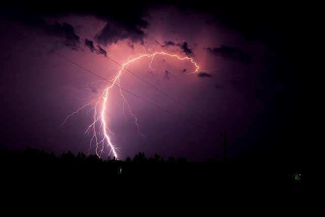 Terrifying yet Beautiful Examples of Lightning Photography