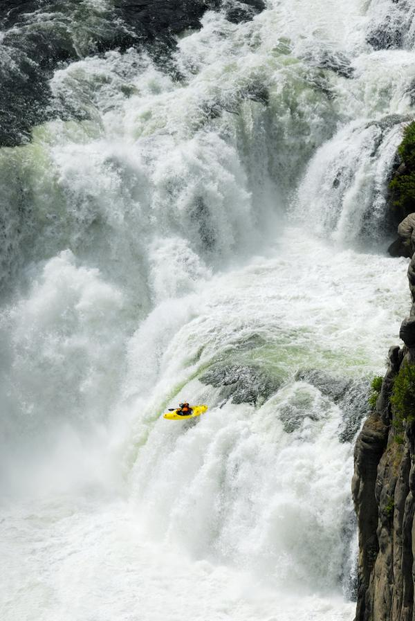 Wonderful Waterfall Pictures And Photography Tips Designzzz
