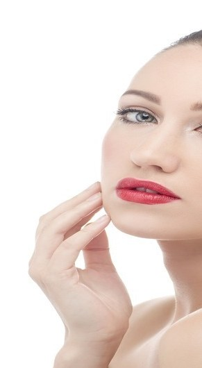 5 TIPS FOR SOFT AND GLOWING SKIN IN WINTERS.