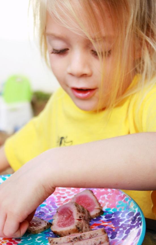 Kids-eating-seared-ahi-tuna