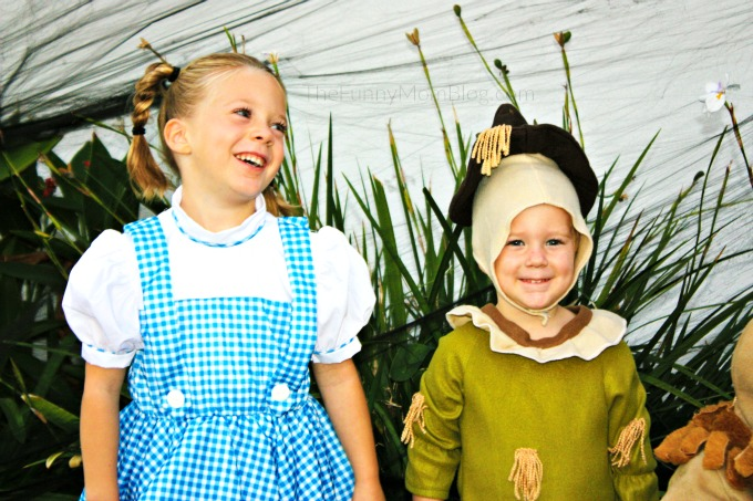 wizard-of-oz-halloween-costumes-for-kids