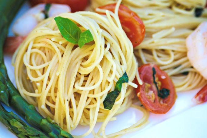 Basil Garlic Tomato And Shrimp Angel Hair Pasta The