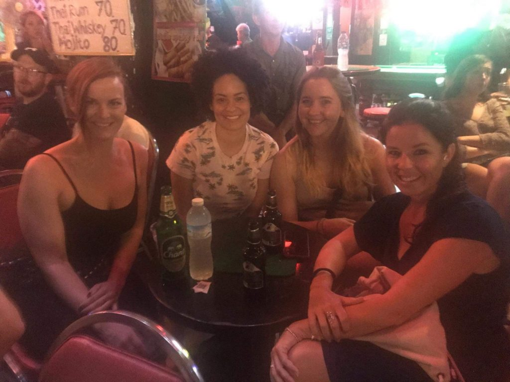 Chiang Mai, jenter, solo, reise alene,. hyggelig, venner, Thailand