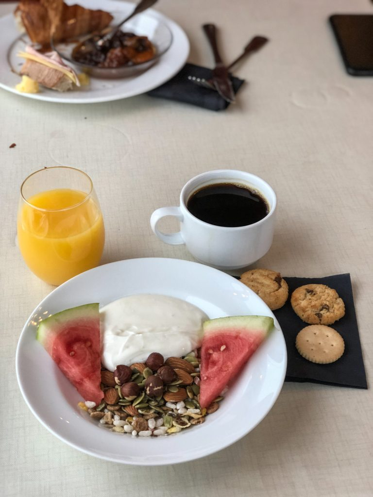 Beitostølen, food, buffet, breakfast, healthy, fruit, coffee, juice, melon,
