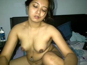 sexy housewife big boobs photo