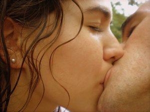 nude indian couple open kiss