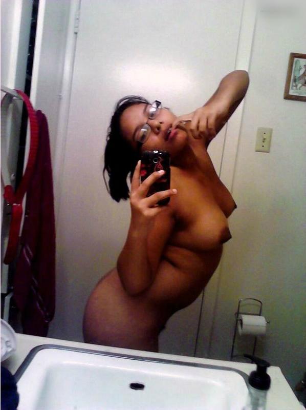 Hot girl hookup naked pics