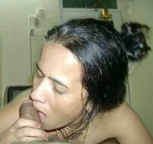 desi bhabhi giving blowjob