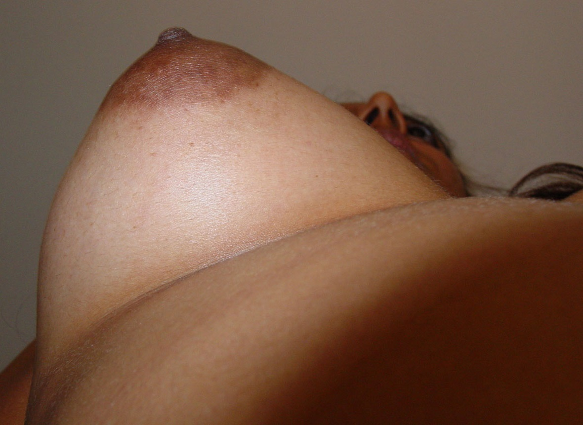 Curvy Bhabhies Big Tits Revealed in Homemade Indian Porn ...