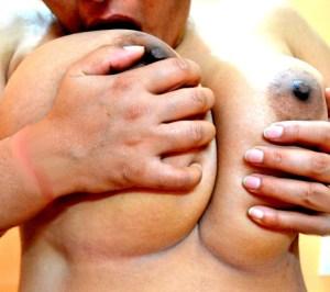 huge babe naked pic