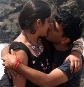 hot mumbai couple seductive lip locking on beach