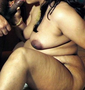 Amateur Aunty hot chubby nude bj pic