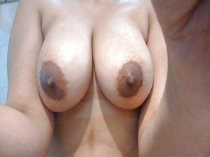 Amateur Babe full nude big boobs hot selfie