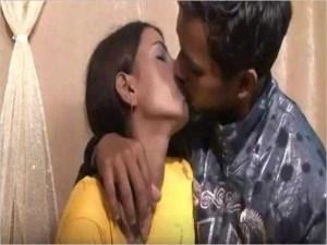 Desi Couple hot kiss pic