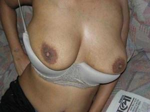 Desi Teen big tits nude pic