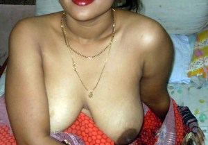 big beautiful boobs sexy indian wife