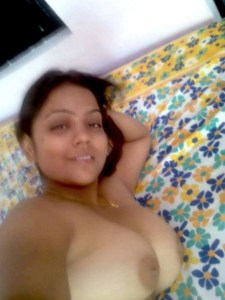 chubby indian babe big boobs selfie