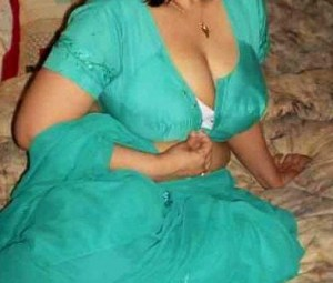 desi indian housewife nude image