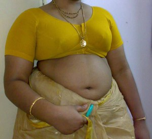 horny indian mature aunty nude image