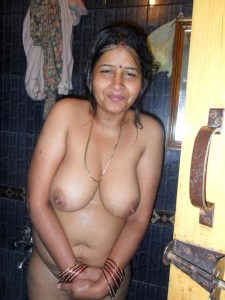 sexy indian wife nude bath