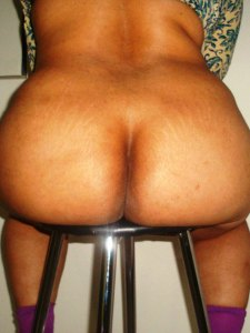 Aunty desi naked ass photo