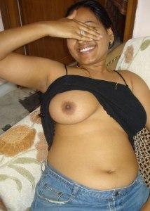 Desi nude babe bhabhi