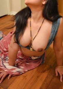 Desi nude boobs aunty