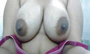 Roudn desi boobs photo
