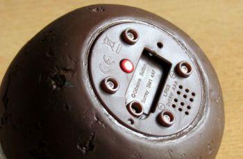 Pass the Pud - otvor pro baterie