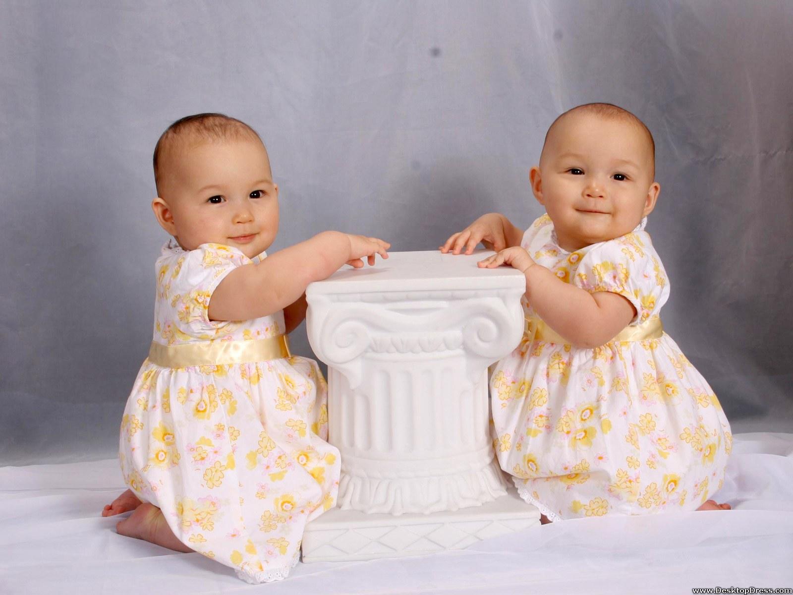 desktop wallpapers » babies backgrounds » cute twins baby girls