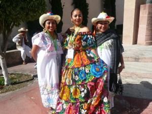 Esther Zúñiga con maestras de danza de Quintana Roo/Cortesía: Esther Zúñiga