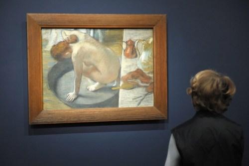 La banera de Edgar Degas Tomado de Apf