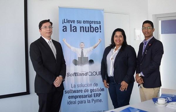El gerente regional de Softland, Hubert Arias, la gerente país, Rosalyn Minaya y el consultor por parte Microsoft Azure, Juan Hernandez.