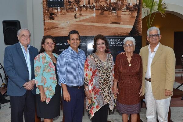 Verónica Sención Con los auspicios del Hotel Hodelpa Nicolás de Ovando Celebra su XXXIX Tertulia Café Literario