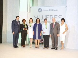 Steven Puig, Juana Ferrer, Kathleen Martínez, Margarita Cedeño de Fernández, María Marciano, Luis Molina Achécar y Josefina Navaro.