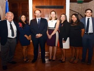 Yvon Desportes, Giselle Rubiera, Embajadro José Gómez, Carolina Leyba, Vianca Aviles, Evianny de los Santos y Thibault Chevalier .