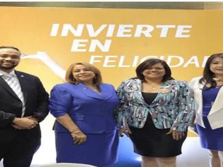 Joselines de los Santos, Luisa de Aquino, Claudia Brito y Sulin Lantigua de Glass.