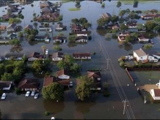 """Los huracanes """"Harvey"""", """"Irma"""" y """"María"""" destruyeron islas como Barbuda y Dominica, mientras que Puerto Rico, Texas y Florida sufrieron gran devastación y muerte"""