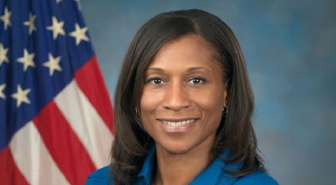Se suponía que Epps sería la primera afroamericana en permanecer un largo periodo en la Estación Espacial Internacional. (Foto: NASA)