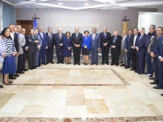 El Pleno de la JCE se reunió ayer con los presidentes de los partidos políticos reconocidos para tratar temas sobre las elecciones de 2020