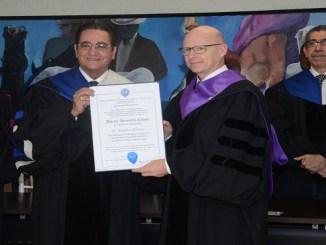 El rector de la Universidad Autònoma de Santo Domingo, IvànGrullòn y el científico francèsStanislasDehaene.