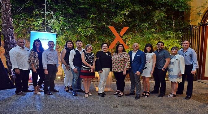 El equipo de la revista con las editoras Carmen Ortega González y Lourdes Periche.