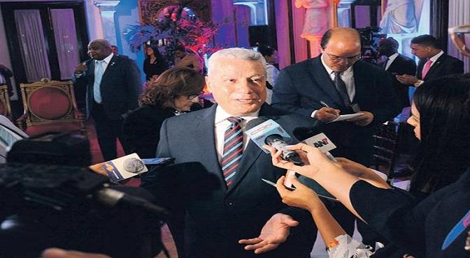 El ministro de Industria, Comercio y Mipymes, Toca Simó, ofrece declaraciones a la prensa.