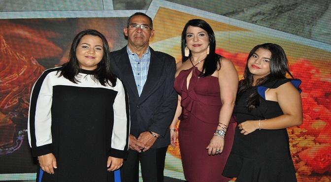 Carla Rodríguez Guerrero, Mario Guerrero, Magda Guerrero y Diana Rodríguez Guerrero
