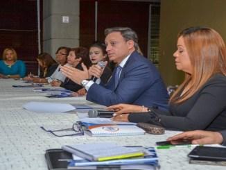 El procurador Jean Rodríguez se reunió con los 24 coordinadores de las unidades de atención a las víctimas de violencia de género que operan a nivel nacional, para delinear la política de trabajo en torno a la atención y persecución de ese delito.